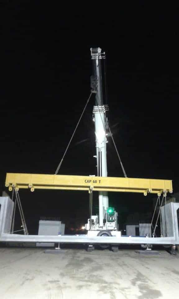 grúa industrial TM1400 de 140 toneladas