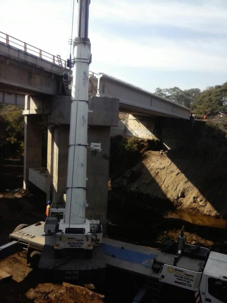Colocación de Trabes para puente