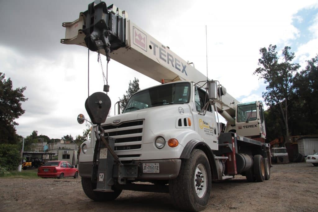 grua titan 35 toneladas