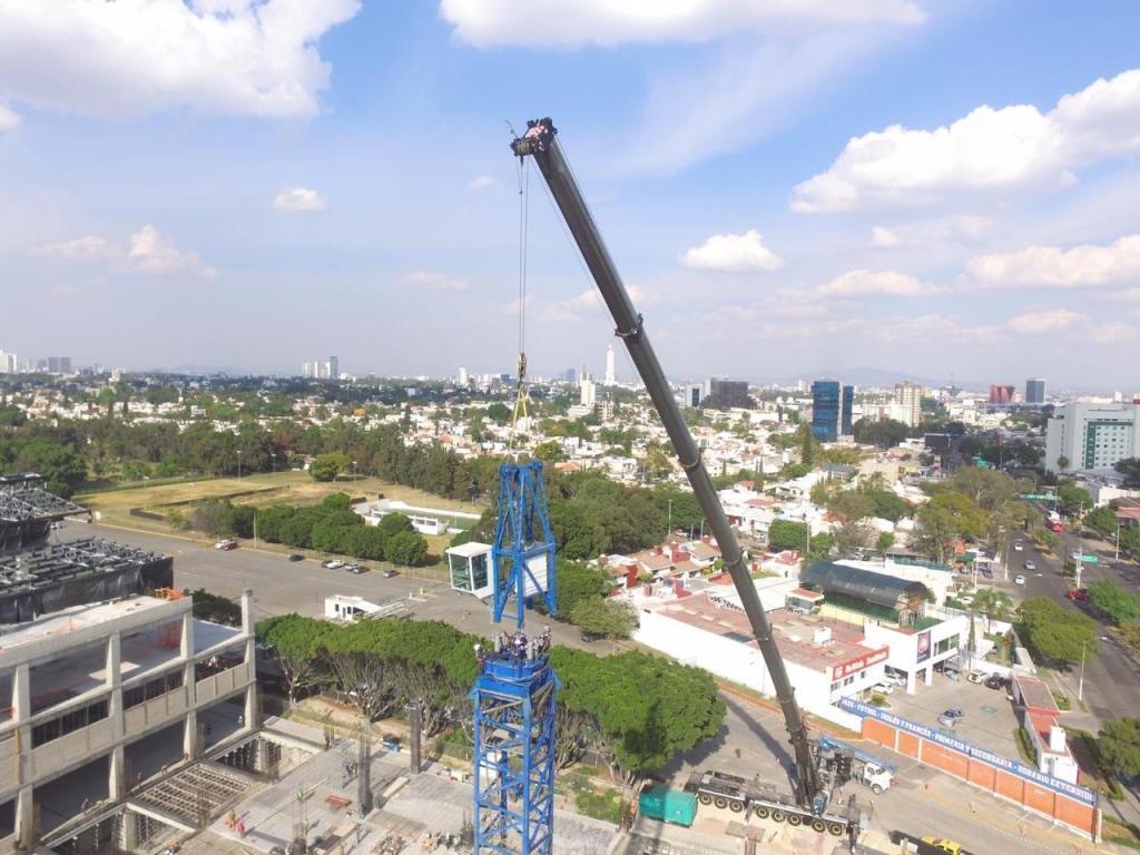 Instalación de torre grúa